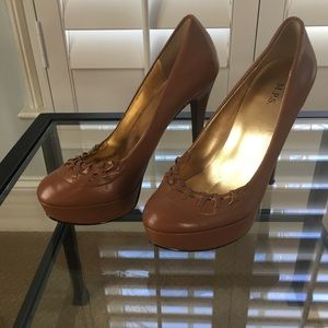 Shoes - Light brown platform heels